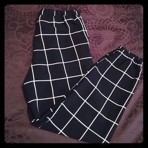 Cute, dressy joggers! Size m, great condition.